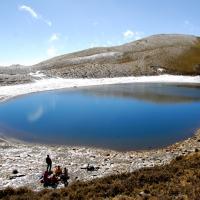 [爬山]雪訪嘉明湖…3戴白圍巾的嘉明湖